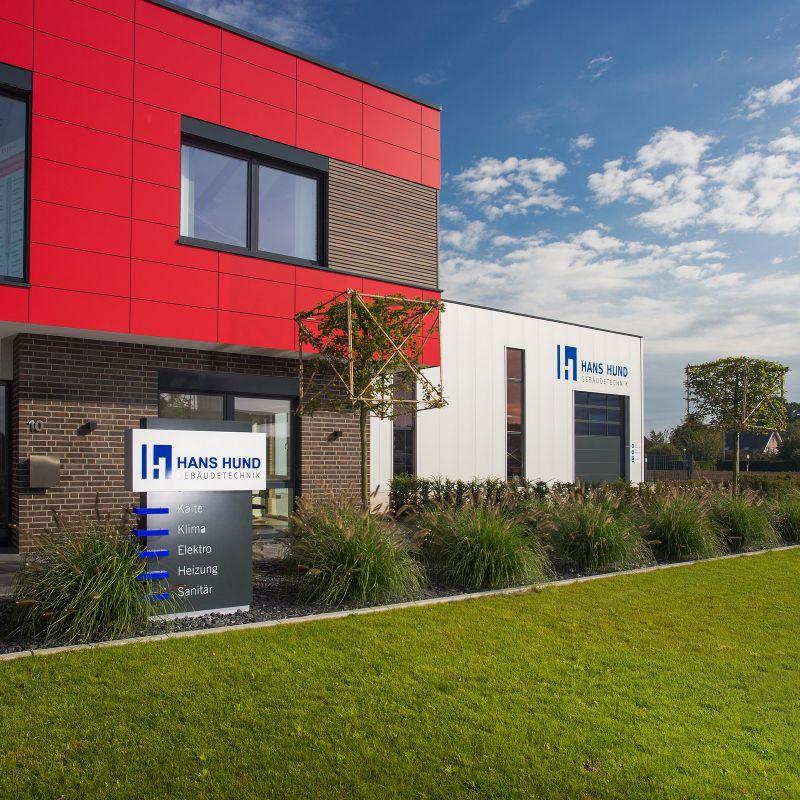 3.3 Form und Rythmus - stilvoller Rahmen für ein Firmengebäude in Bocholt