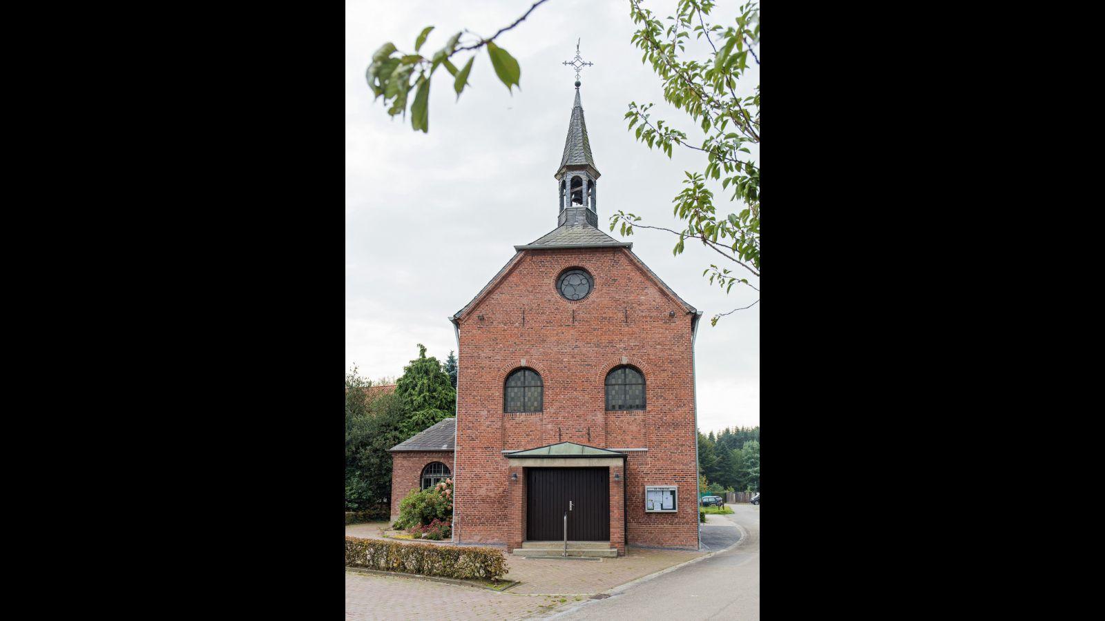 4.203 Pflaster- und Natursteinarbeiten St. Trinitas in Herzebocholt