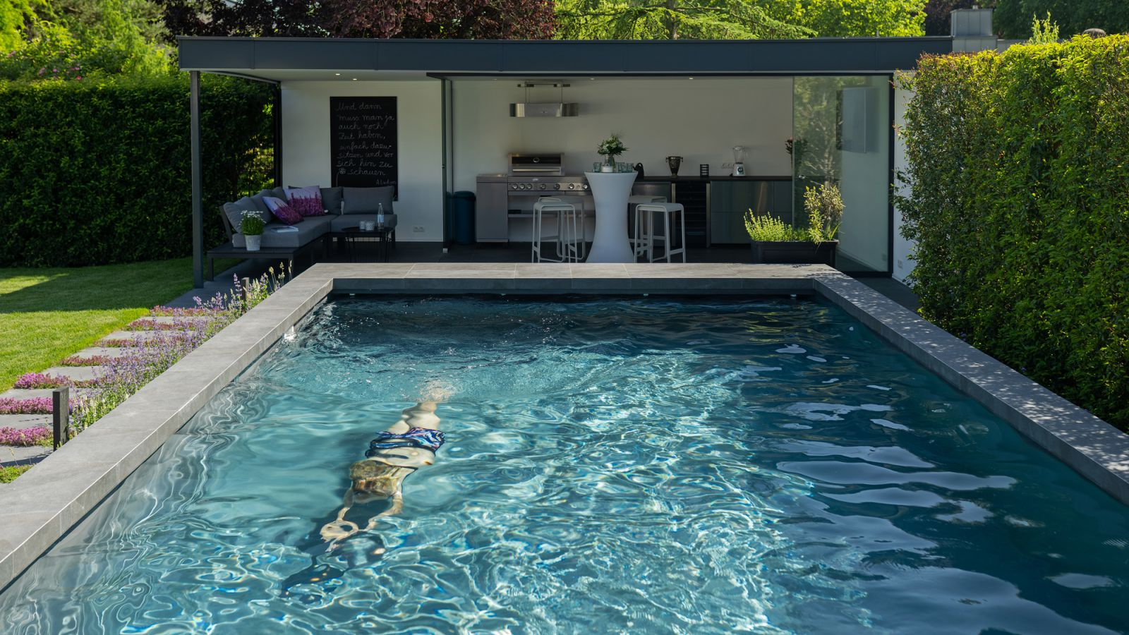 1.1 Ein Garten zum Feiern und Schwimmen - Poolparty in Bocholt