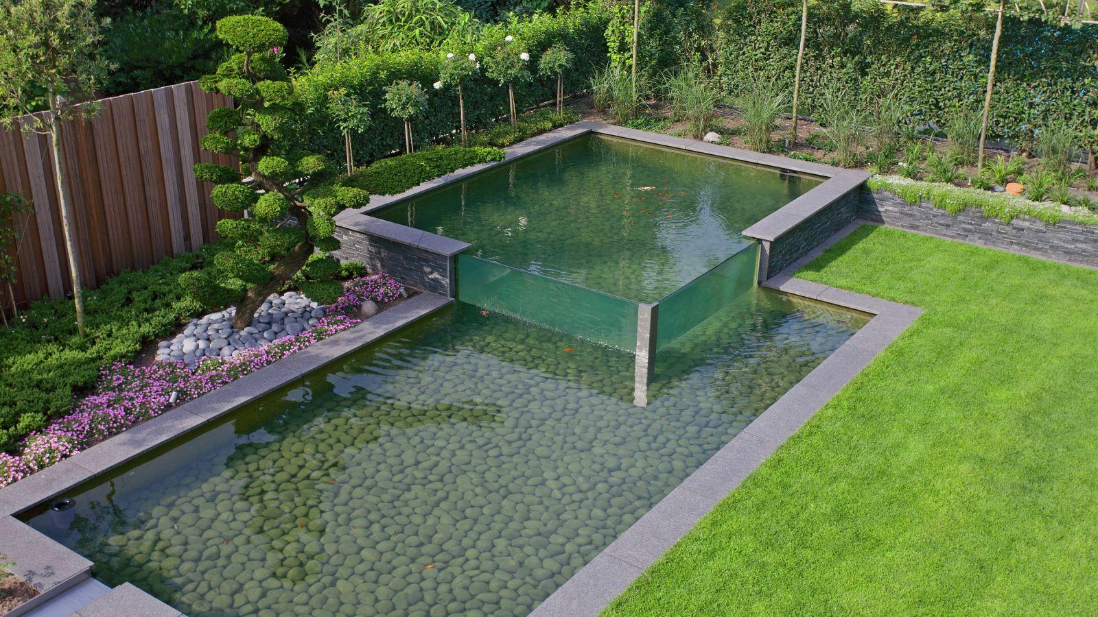 1.13 Technisches Meisterwerk - über Wasser untertauchen im Koi-Teich in Bocholt