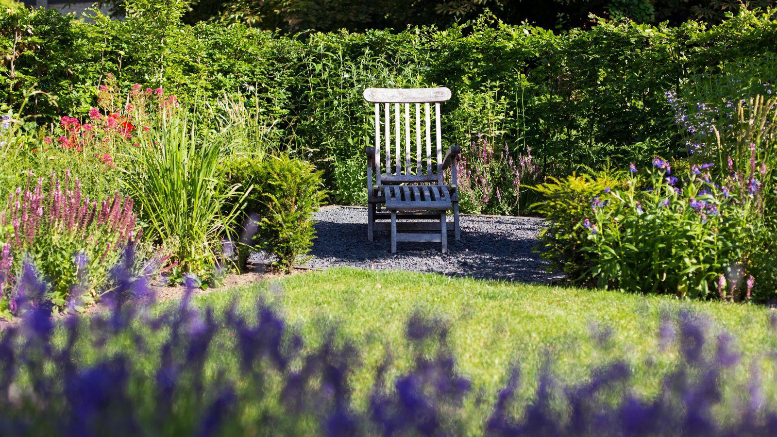 2.1 Ein Blumenmeer lädt zum Verweilen ein - Familiengarten in Bocholt